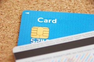 カードなどの信用情報