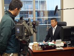 NHK総合「ニュースウォッチ9」取材時写真1
